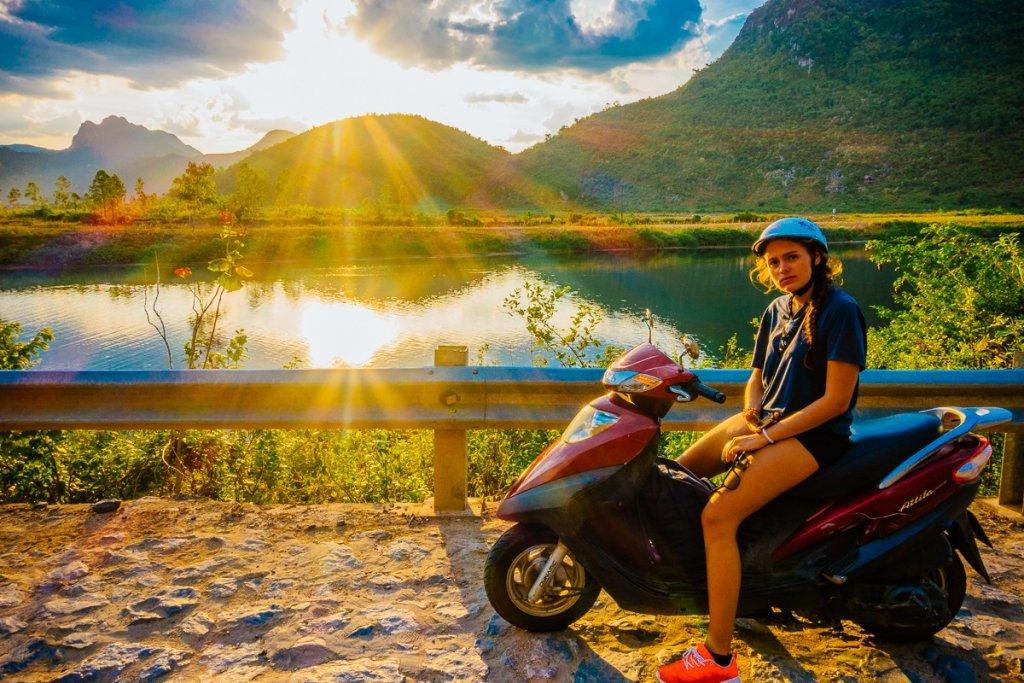 roadtrip door vietnam op brommer