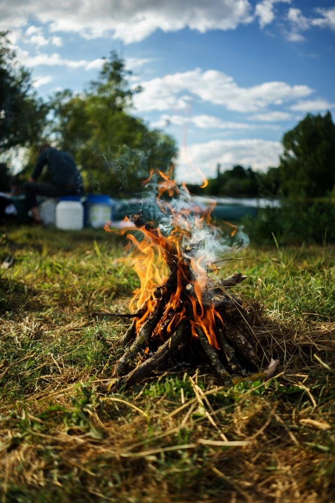 kampvuur koken kamperen