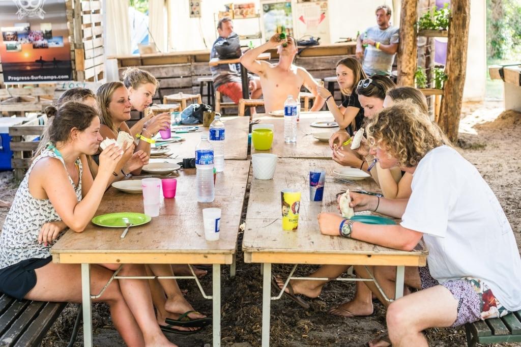 beste surf kamp tieners