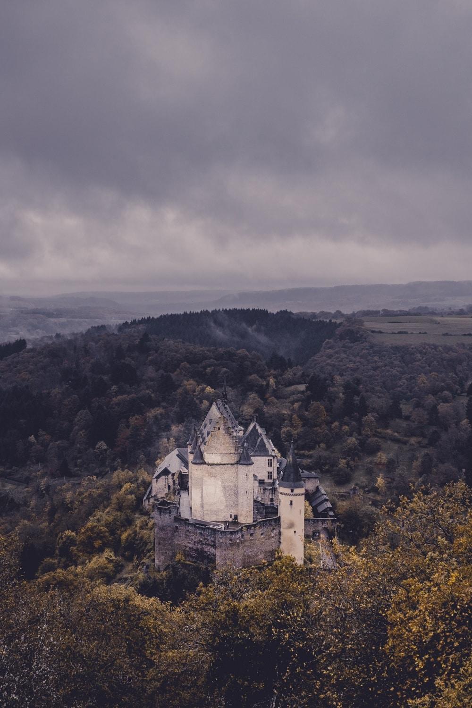 luxemburg kastelen bezoeken