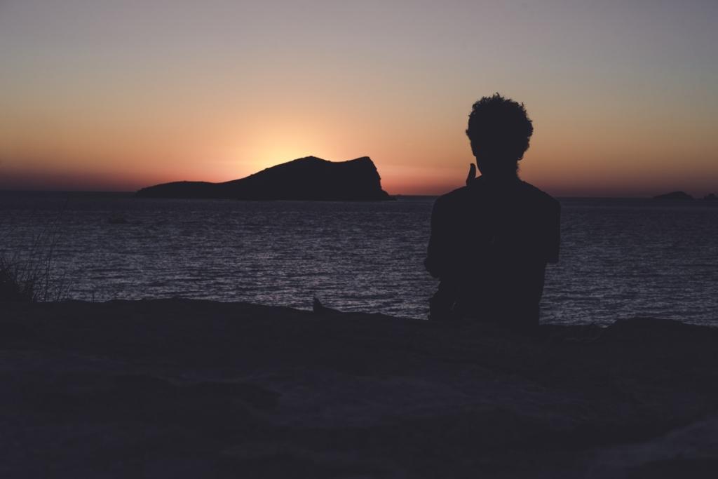 mooiste zonsondergang strand ibiza