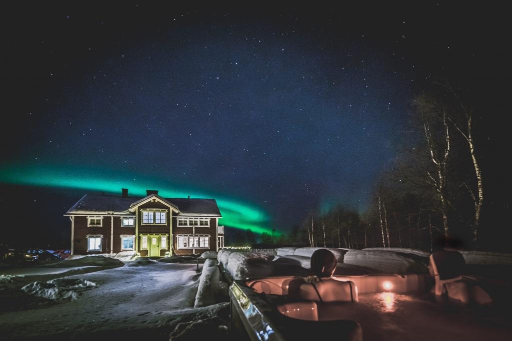 mooiste reisfoto's in Lapland - Joy Anna Thielemans en Tjoolaard