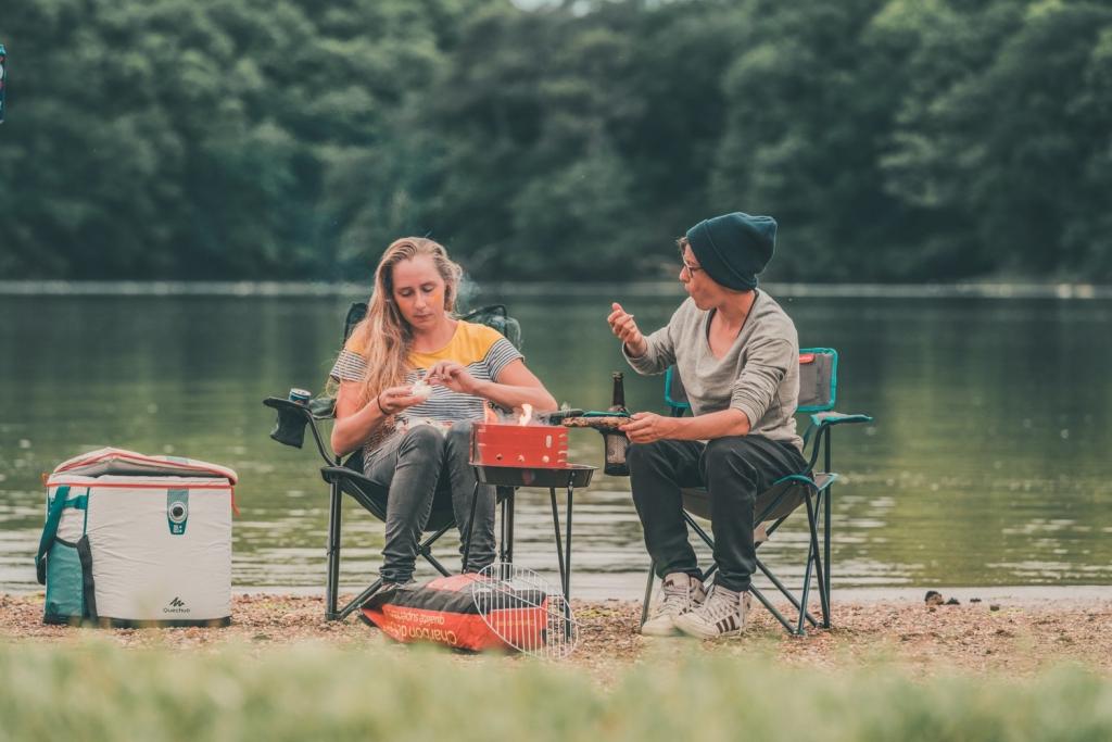kamperen aan rivier frankrijk