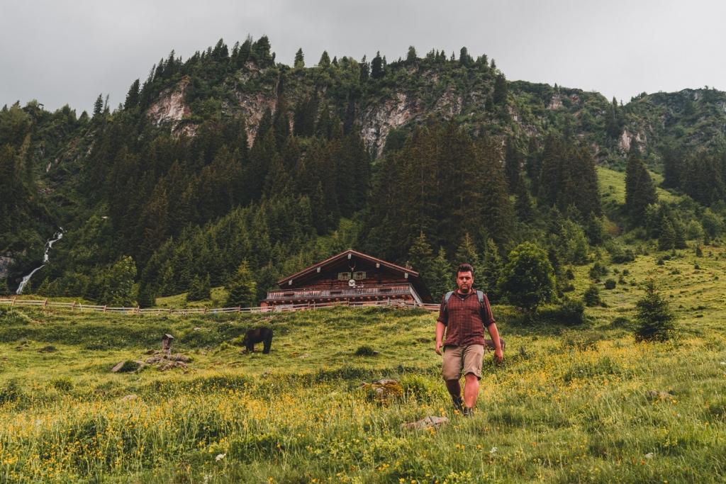hiken in oostenrijkse alpen