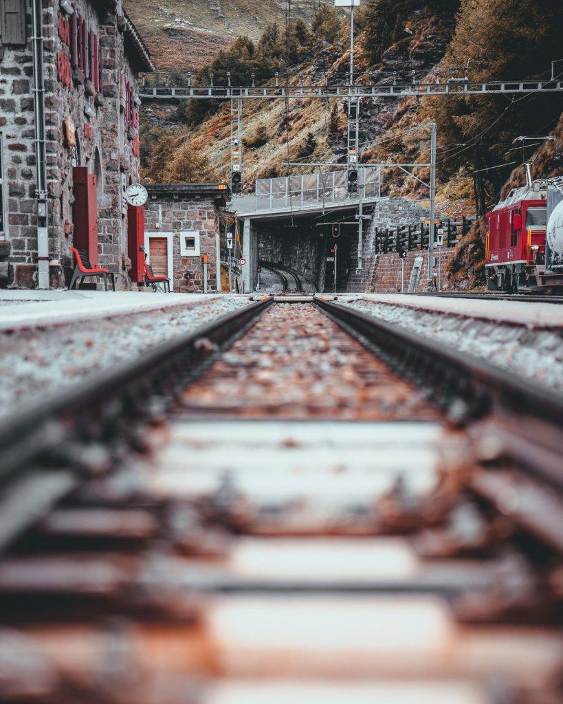 met de trein door de alpen reizen