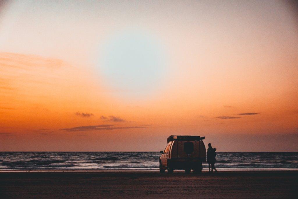 zonsondergang strand broome