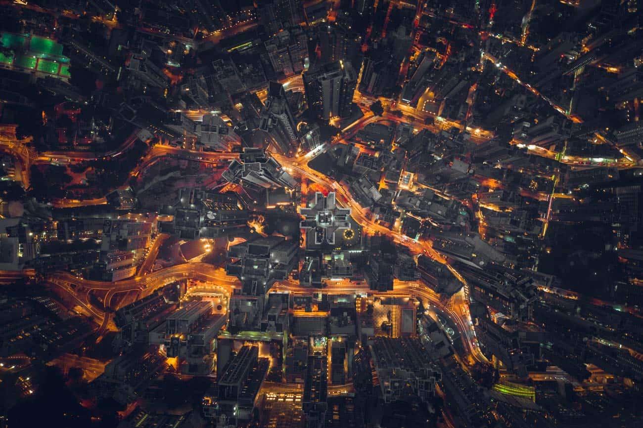 vluchten van brussel naar hongkong