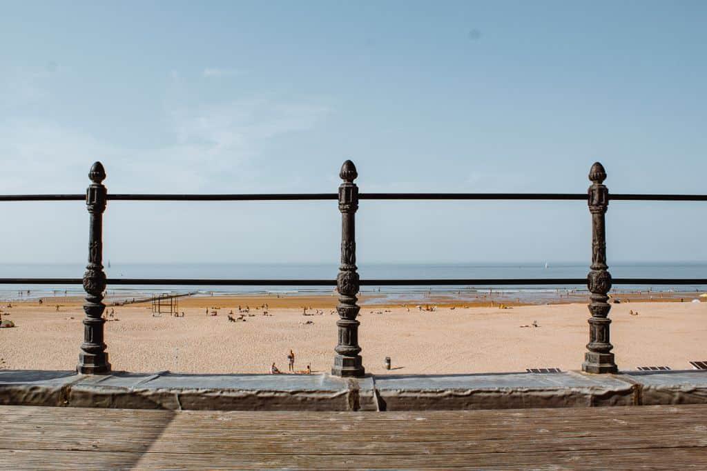 uitzicht strand en zee hotel oostende