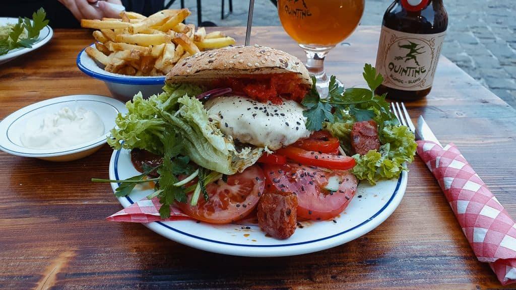 hamburger verse groenten culinair