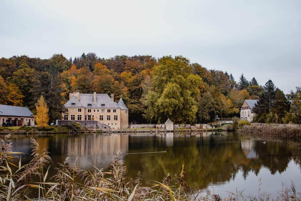 abdij van orval water kasteel