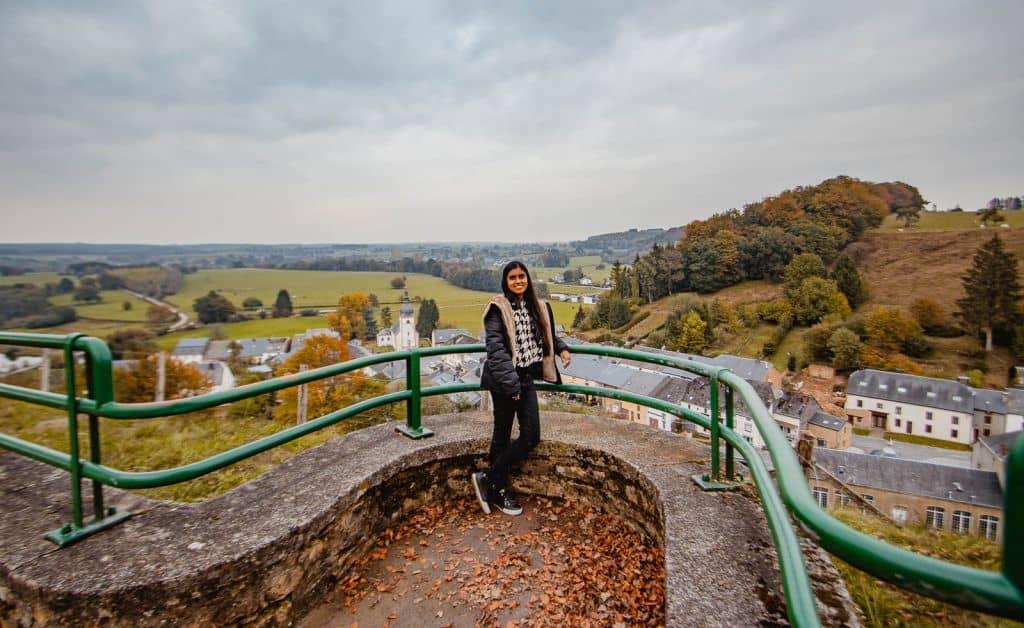 meisje met uitzicht in Wallonië in Florenville