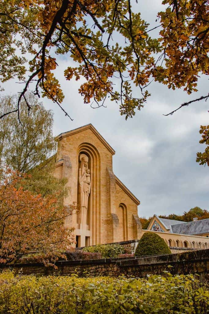 abdij van orval beeld kerk