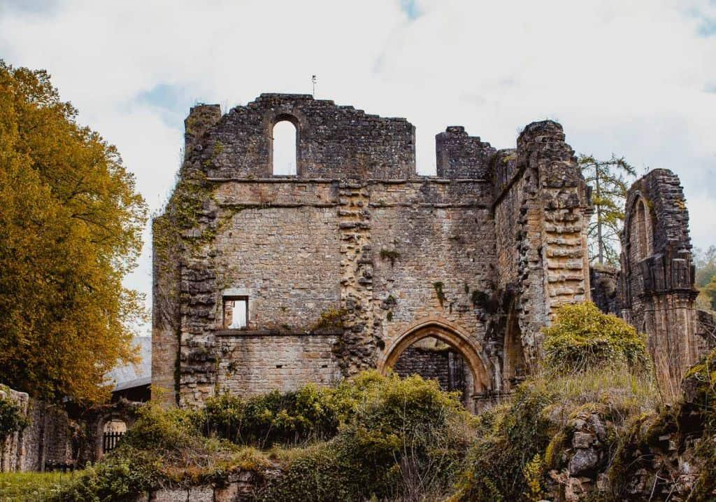 ruïnes abdij van orval Wallonië