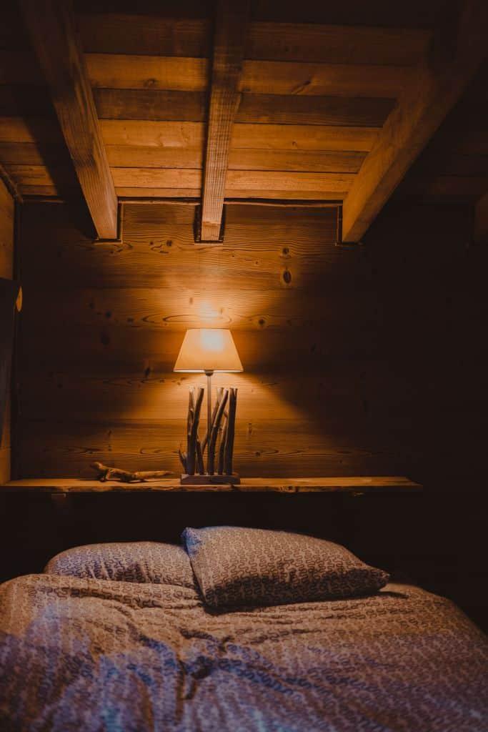 slapen in boomhutten