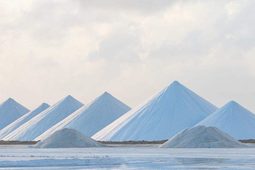 bonaire zoutpier zoutmijn piramides