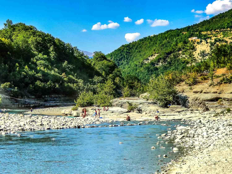 waar zwemmen in albanie