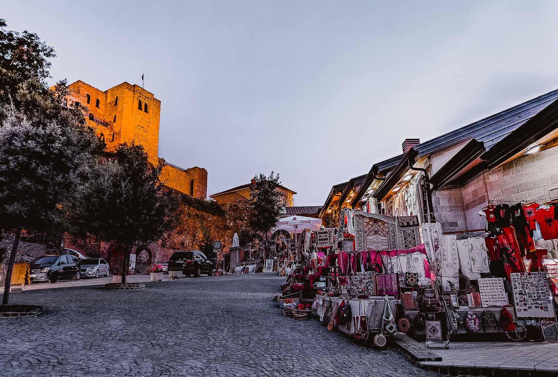 kruje bezoeken albanie